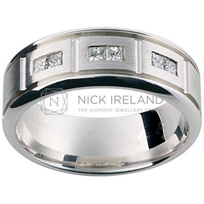 GW18 / 18ct white gold diamond set gents wedding ring