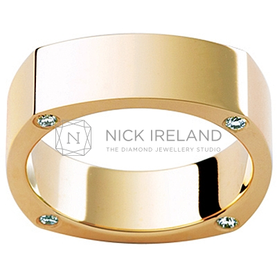 GW19 / 18ct yellow gold diamond set gents wedding ring