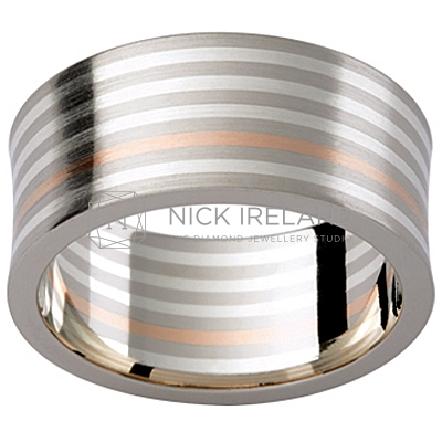 GW30 / Multi colour 18ct and 9ct Gents Wedding Ring
