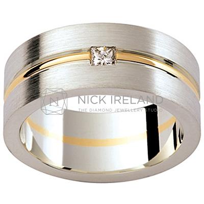 GW4 / 18ct White and yellow gold diamond set wedding ring