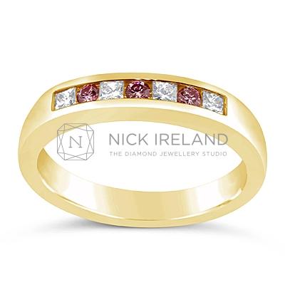 DJSP9/18ct Argyle Pink and White Diamond Wedding Ring