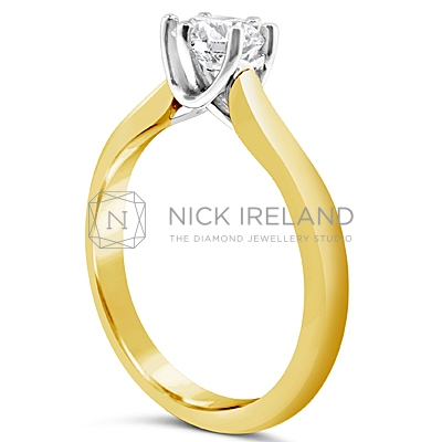 TDR32/ 18ct Gold Diamond Solitaire