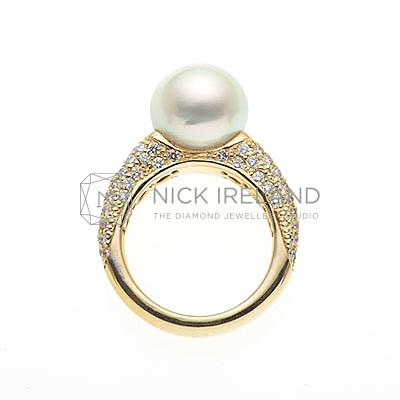 PJ14 / 18ct Yellow Gold South Sea Pearl and Diamond Ring