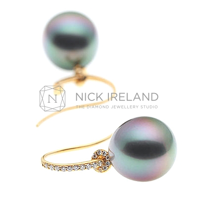PJ5 / 18ct Yellow Gold Tahitian Pearl and Diamond Earrings