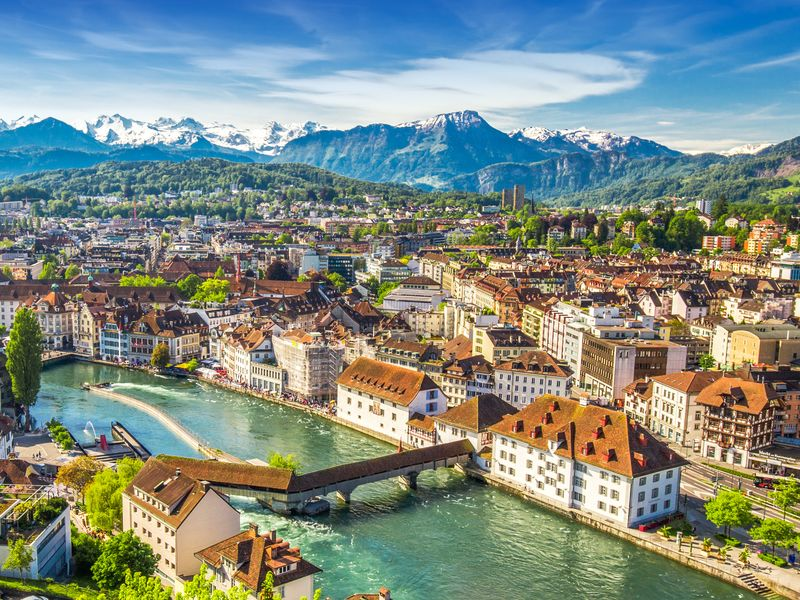 Lively London to Romantic Rome