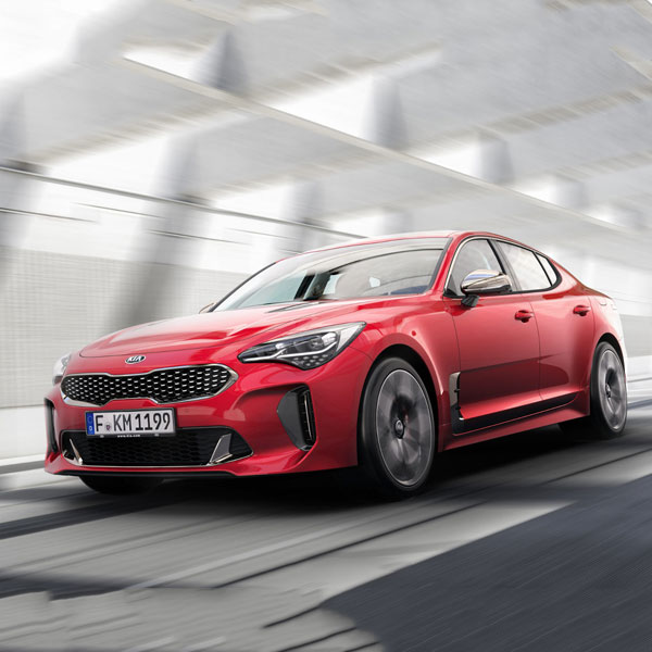 kia-stinger-vehicle-in-motion-red