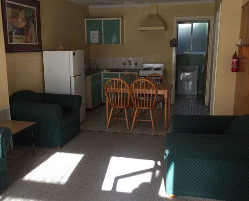 Carawatha Gardens 2 bedroom unit accomodation bright victoria alpine region high country