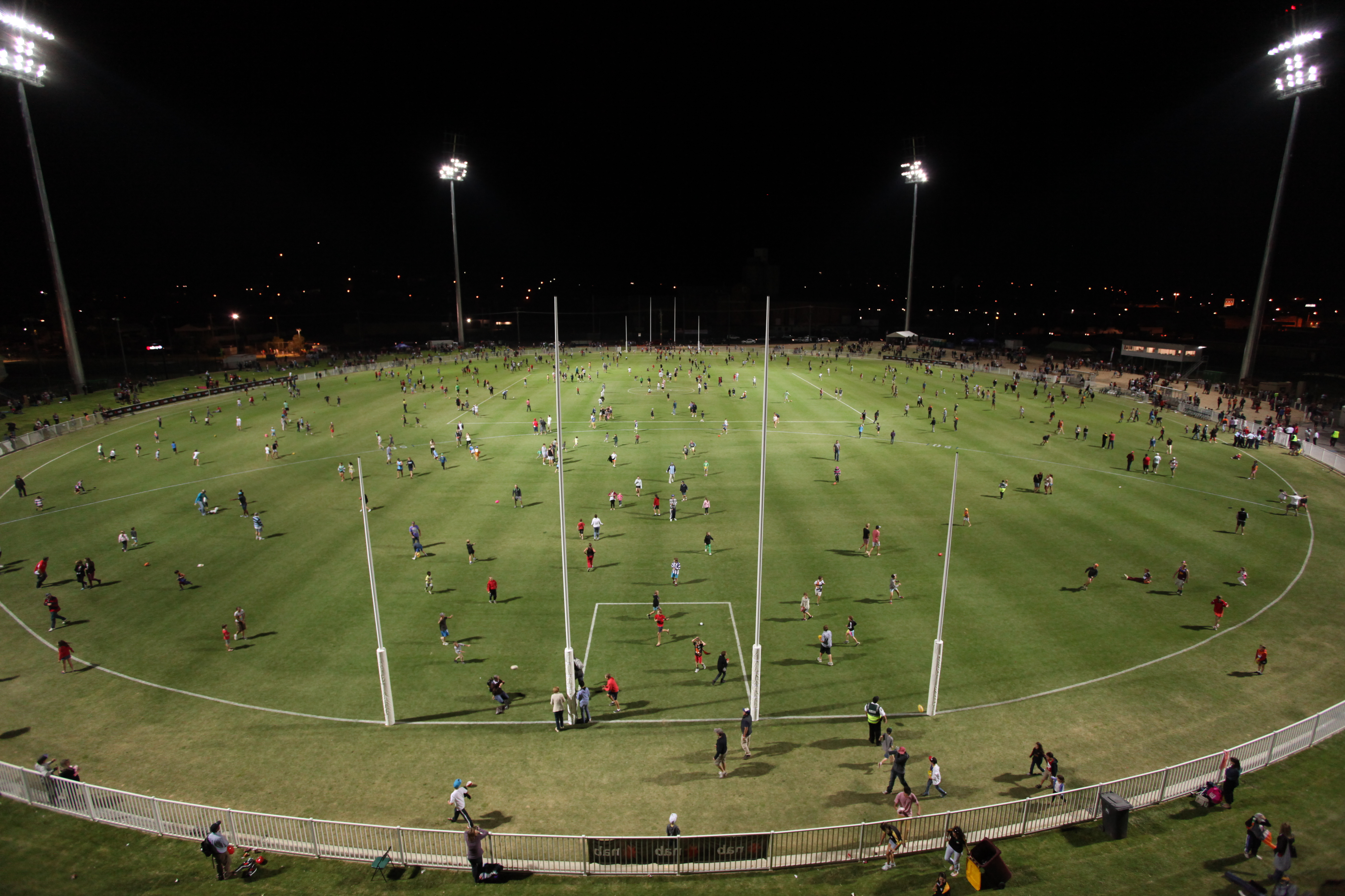 Robbo oval night