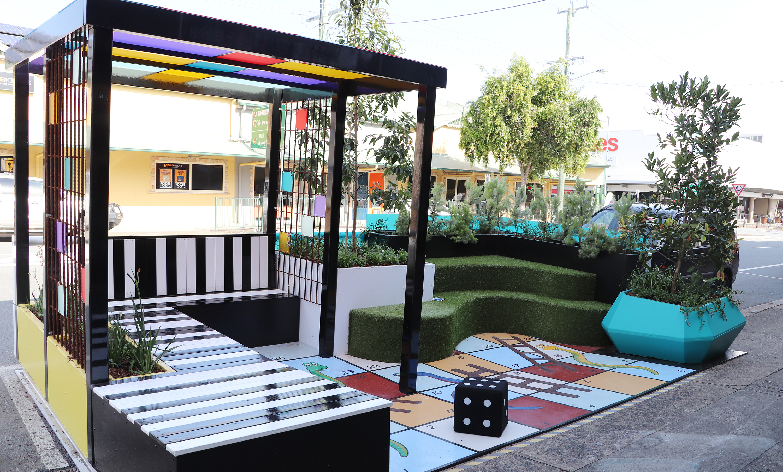 Photo of the parklet at Brisbane Street, Murwillumbah.