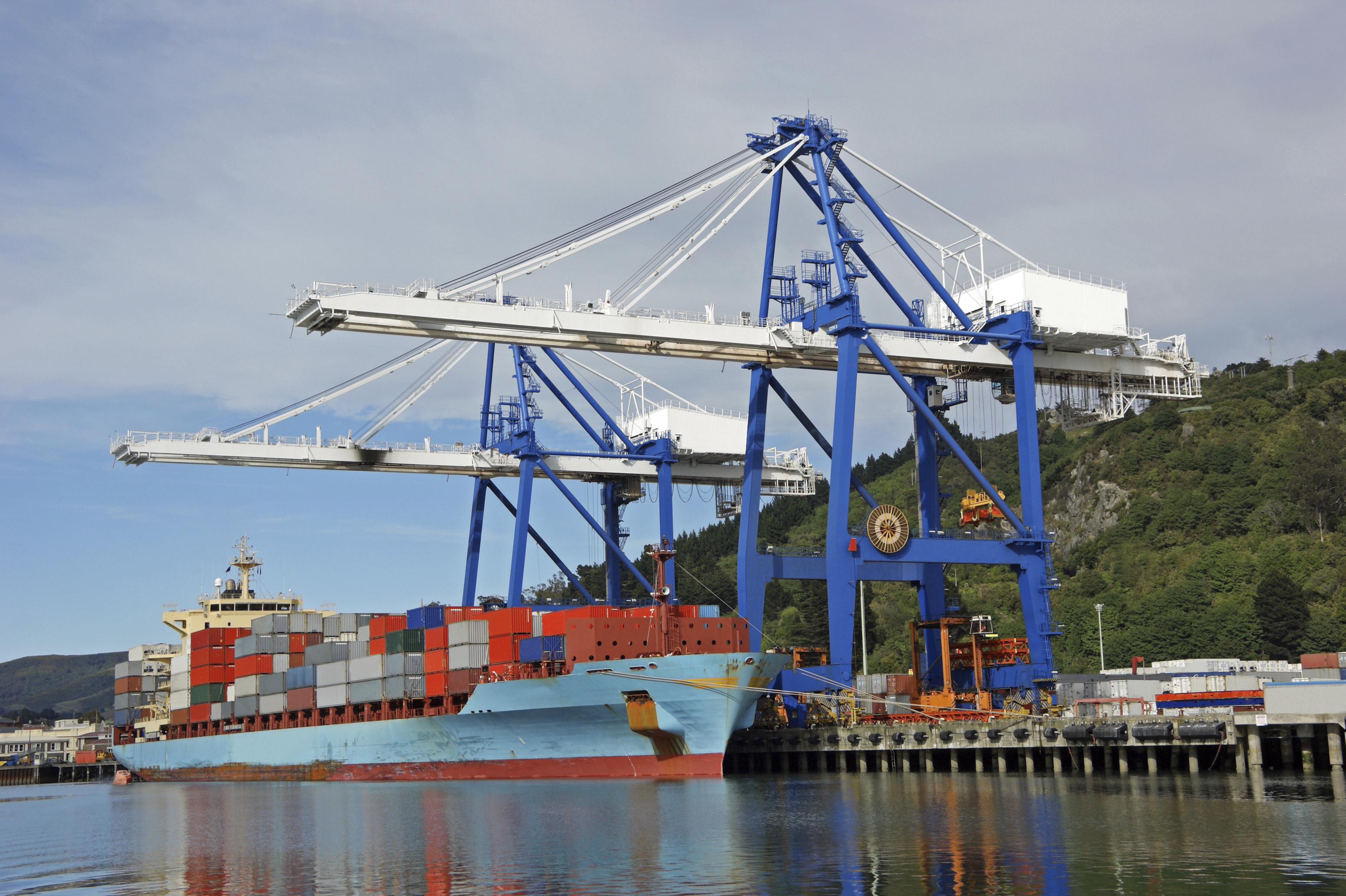 Istock 000012229065 large harbour containers