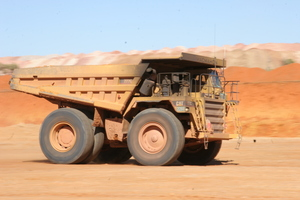 Bootoo_047_mining_heavy_vehicle_dust