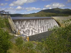 Wyaralong dam   spilling 1