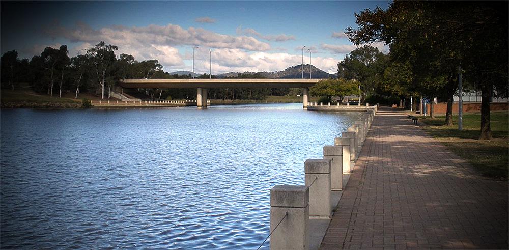 Tuggeranong Lakeside