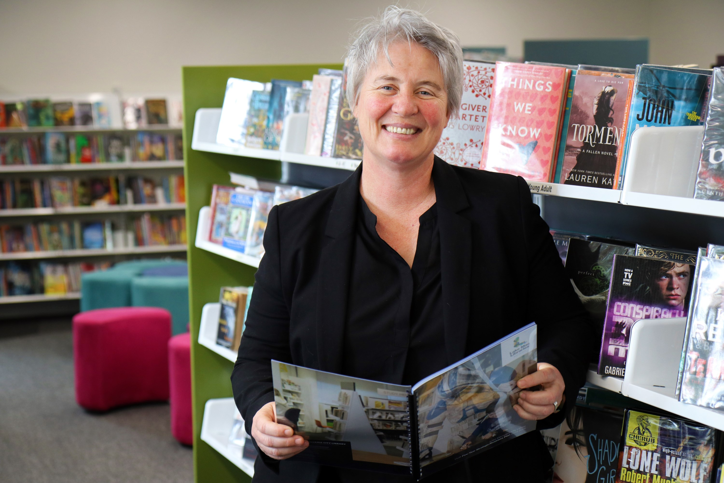 Jacqui hemsley at speers point library  %28custom%29