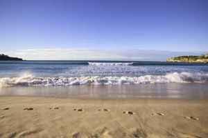 Bondi_beach_footprints1