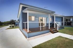 Kingscliff cabin exterior 1024x683