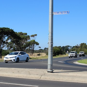 Cars travelling on Woolamai Beach Road intersection