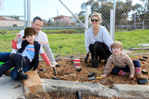 Kaysavetreeplanting marrickville 15aug2015 27