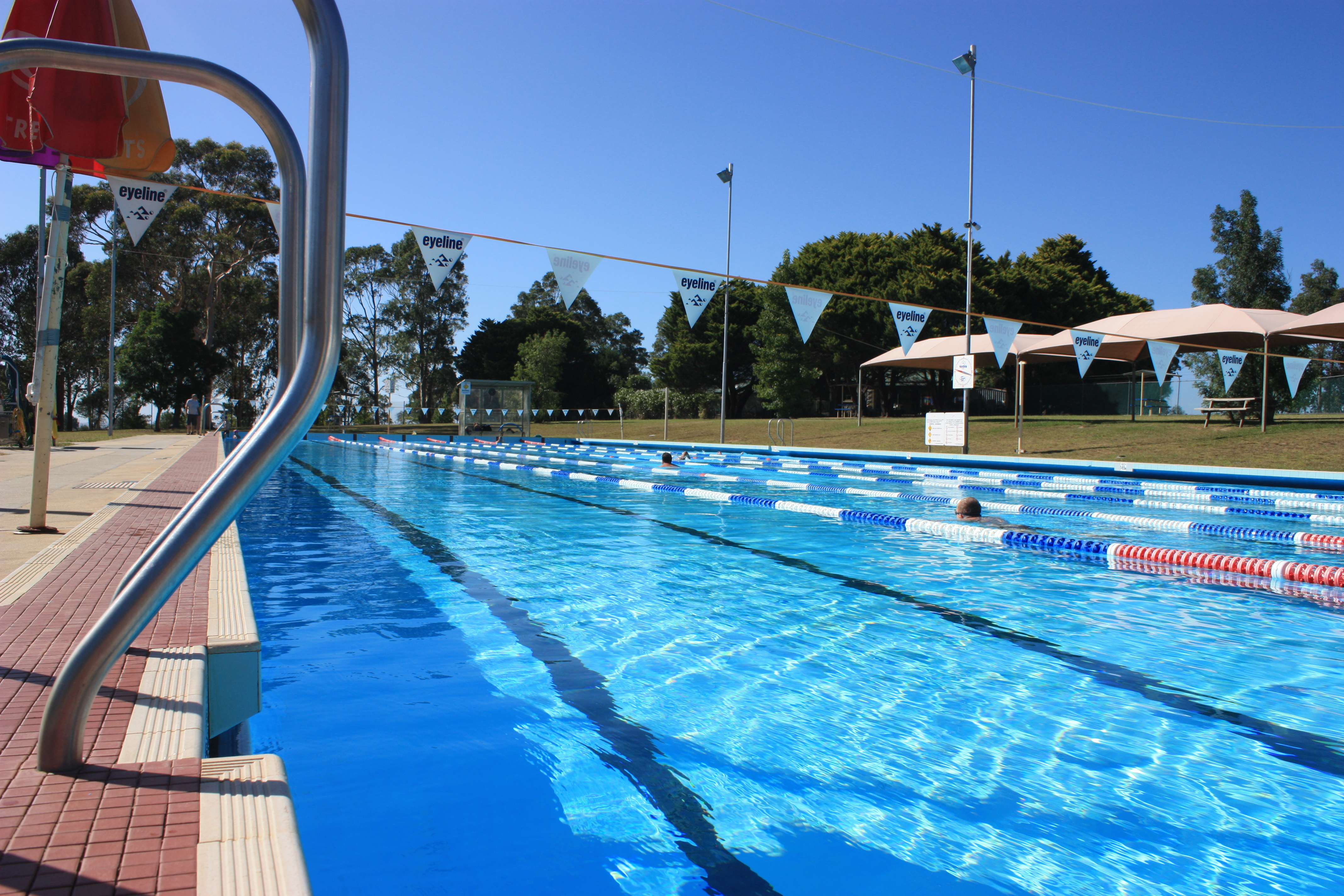 Bomaderry outdoor pool