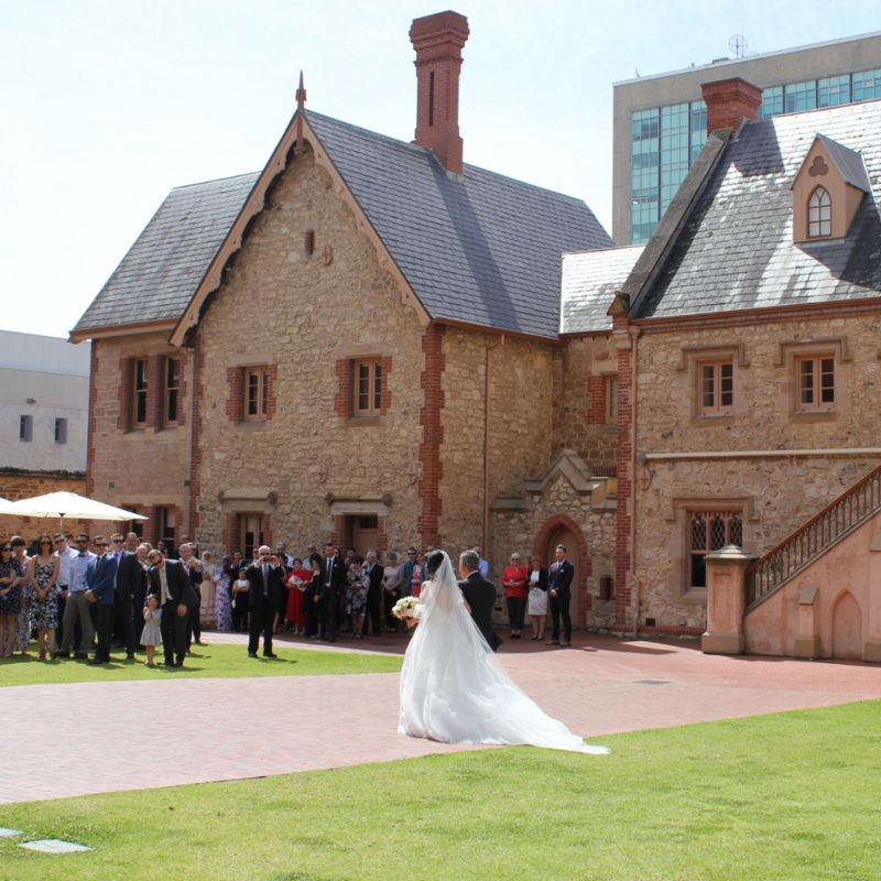 Wedding ceremony in the courtyard at Museum SA