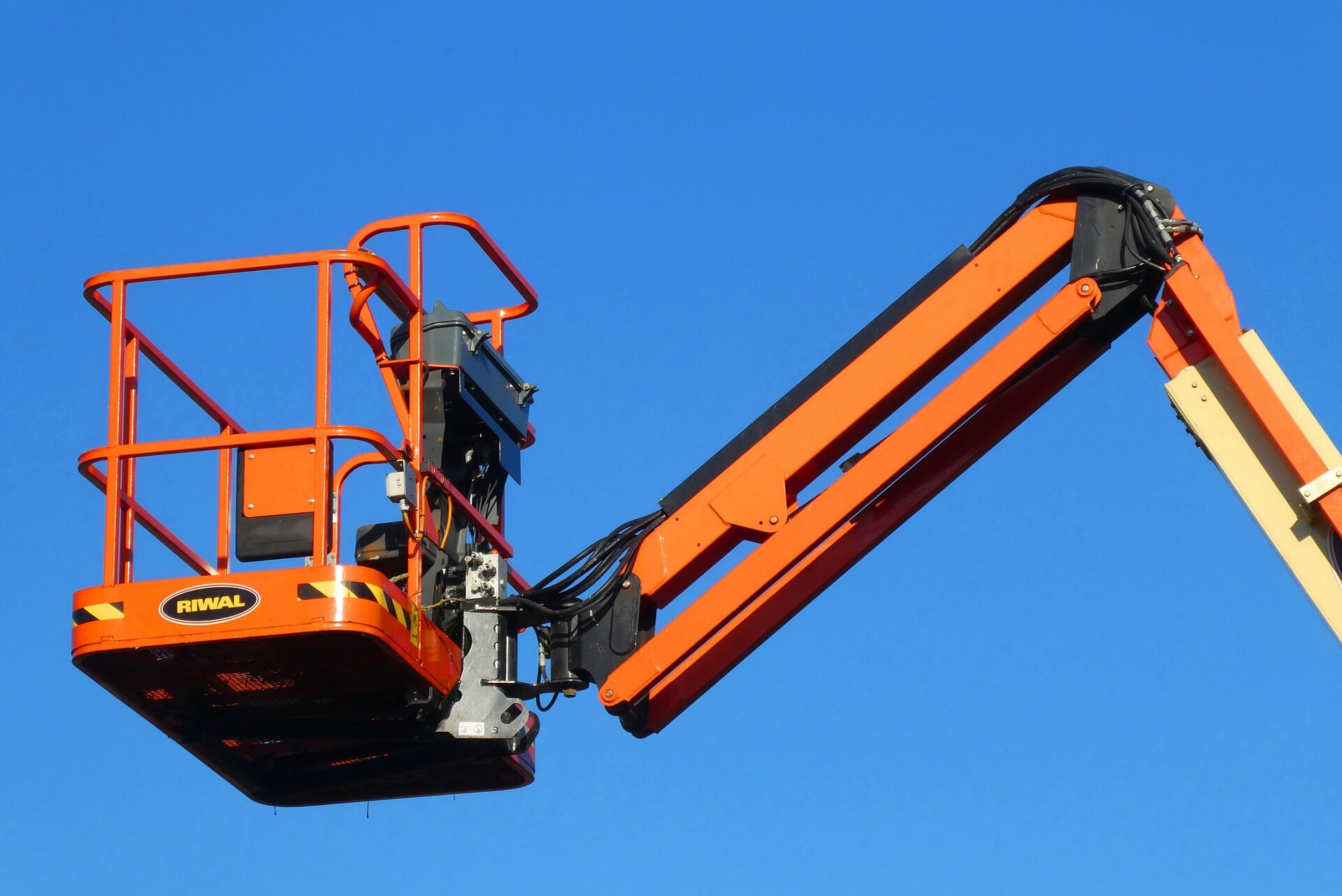 oakmont cherry picker hire