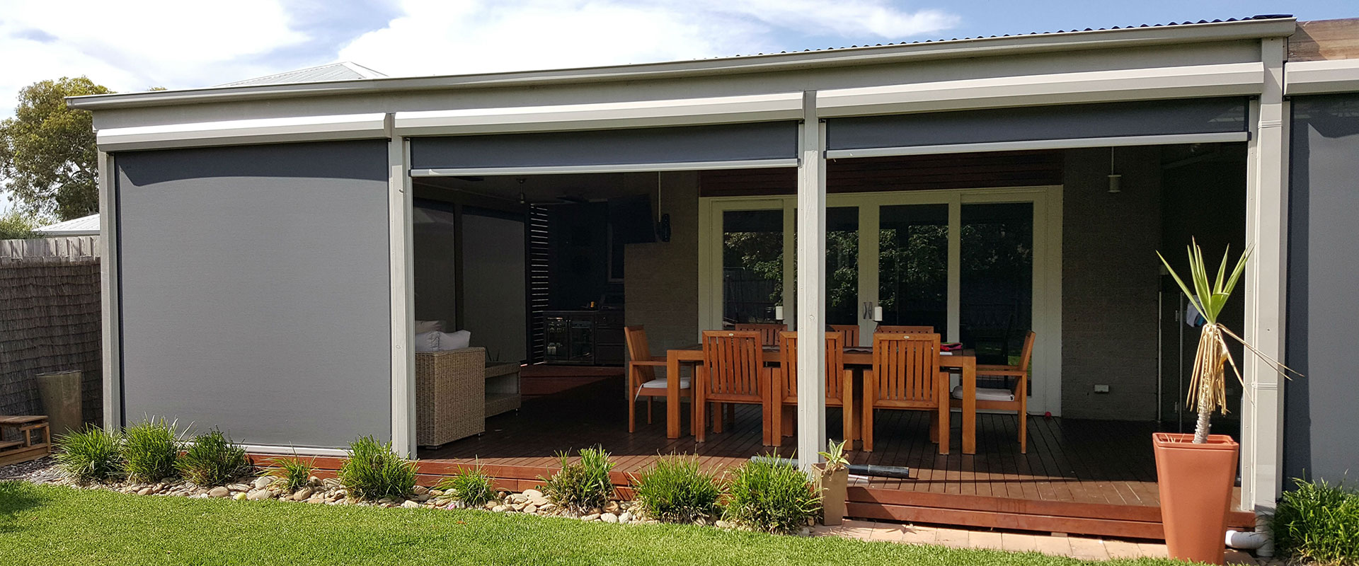 cafe-blinds-adelaide-outdoor-patio-indoor