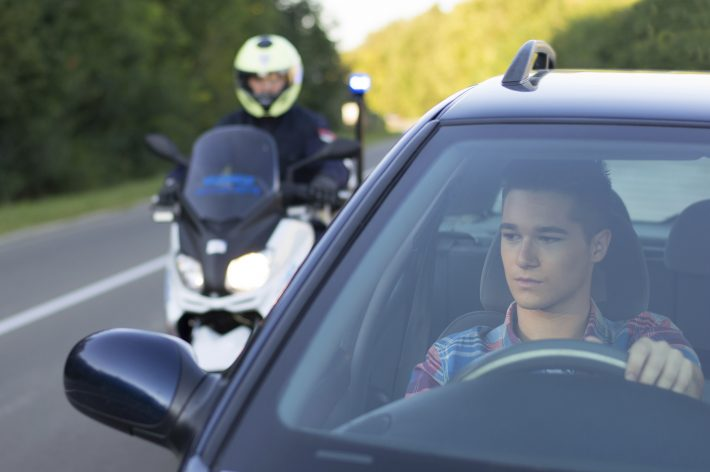 Motorcycle-Cop-Stop-Search-iStock_45893576-e1482450508779-710x472