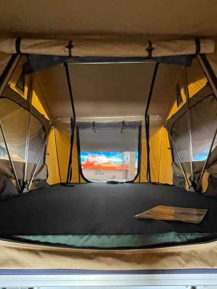 Display tent 3
