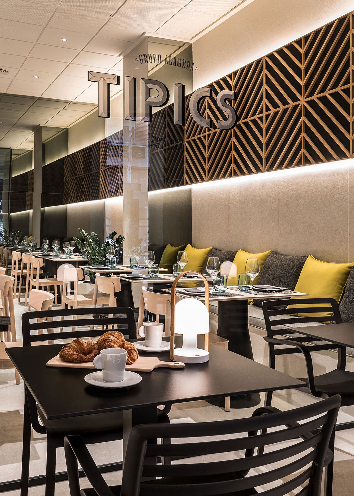 05 tipics restaurante cafeteria xativa grupo alameda
