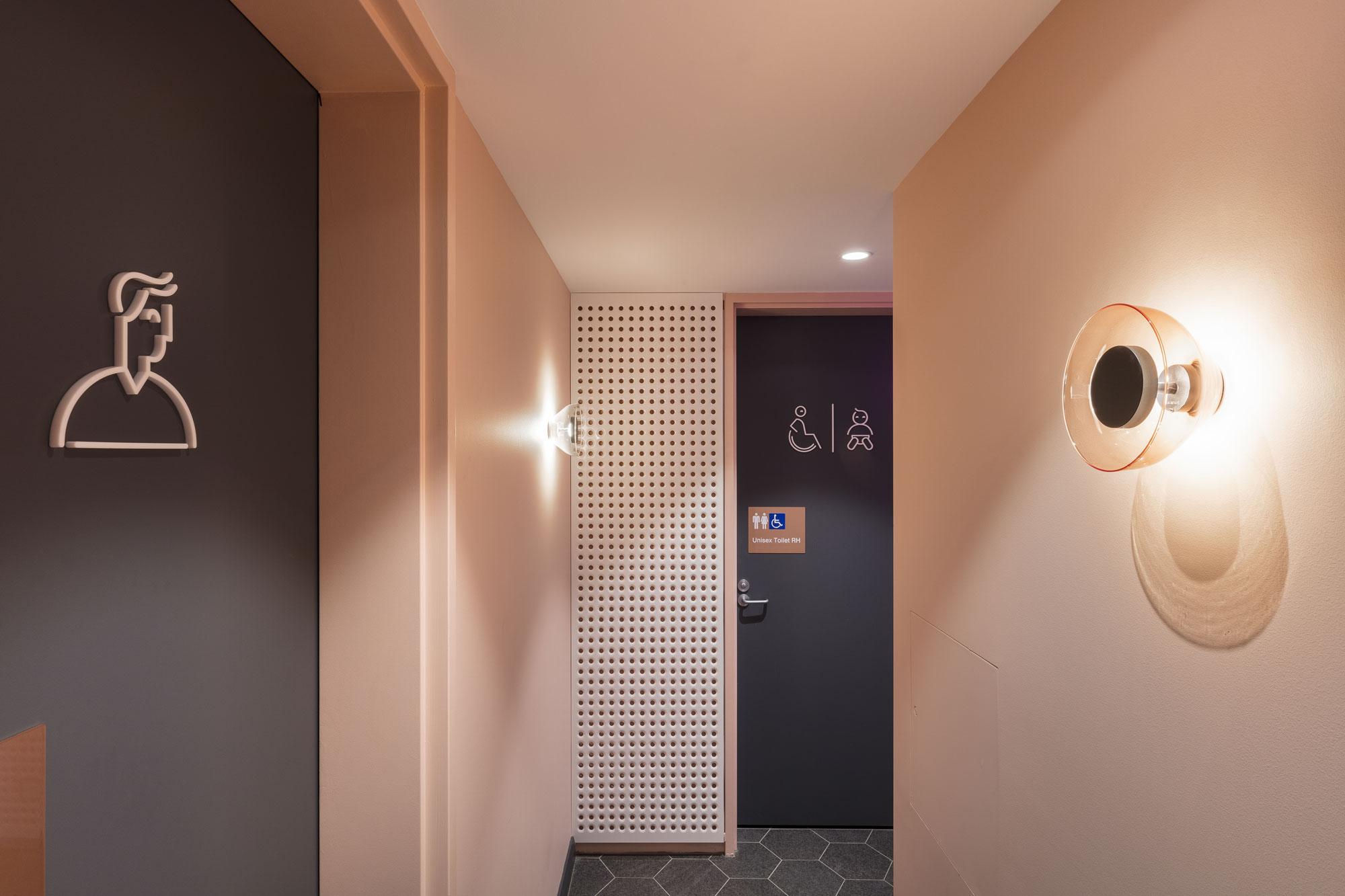 Felix hotel bathrooms 0a8a2268 ps