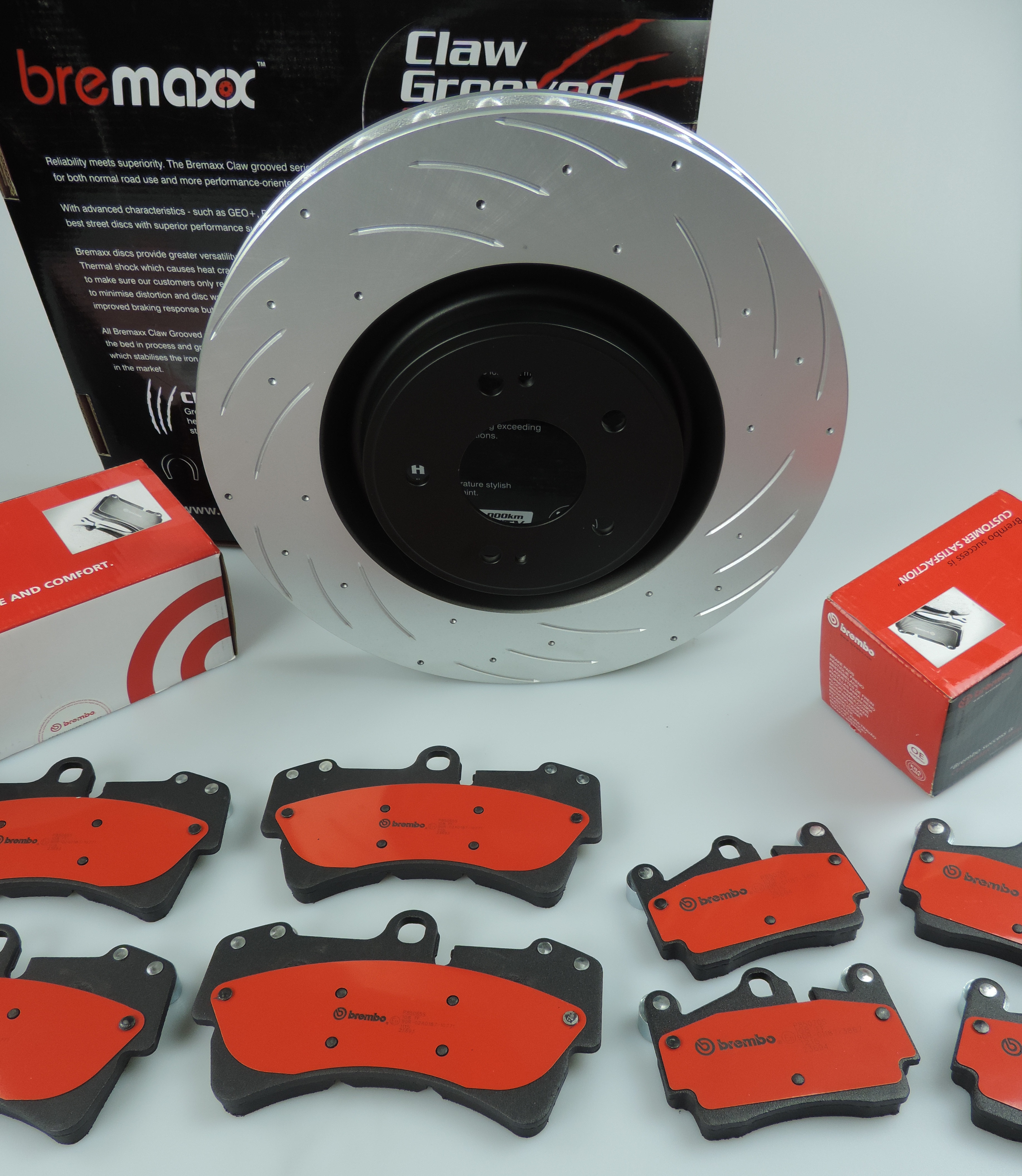 BREMBO Pads & BREMAXX Slotted Disc Brake Rotors FRONT