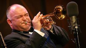 Jazzing Around With James Morrison