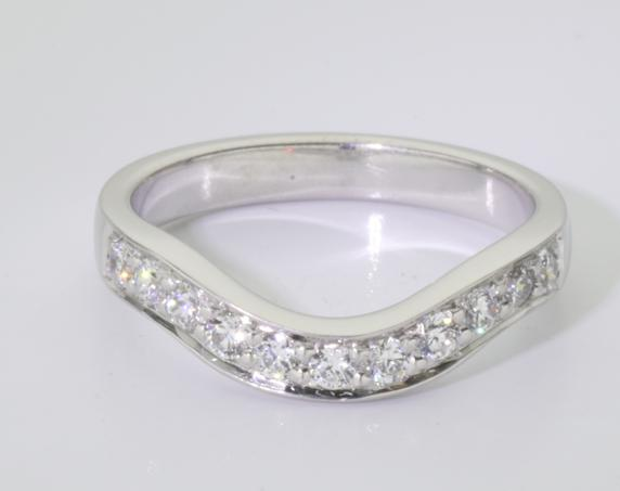 18ct White Gold Bead Set Fitted Wedding Ring