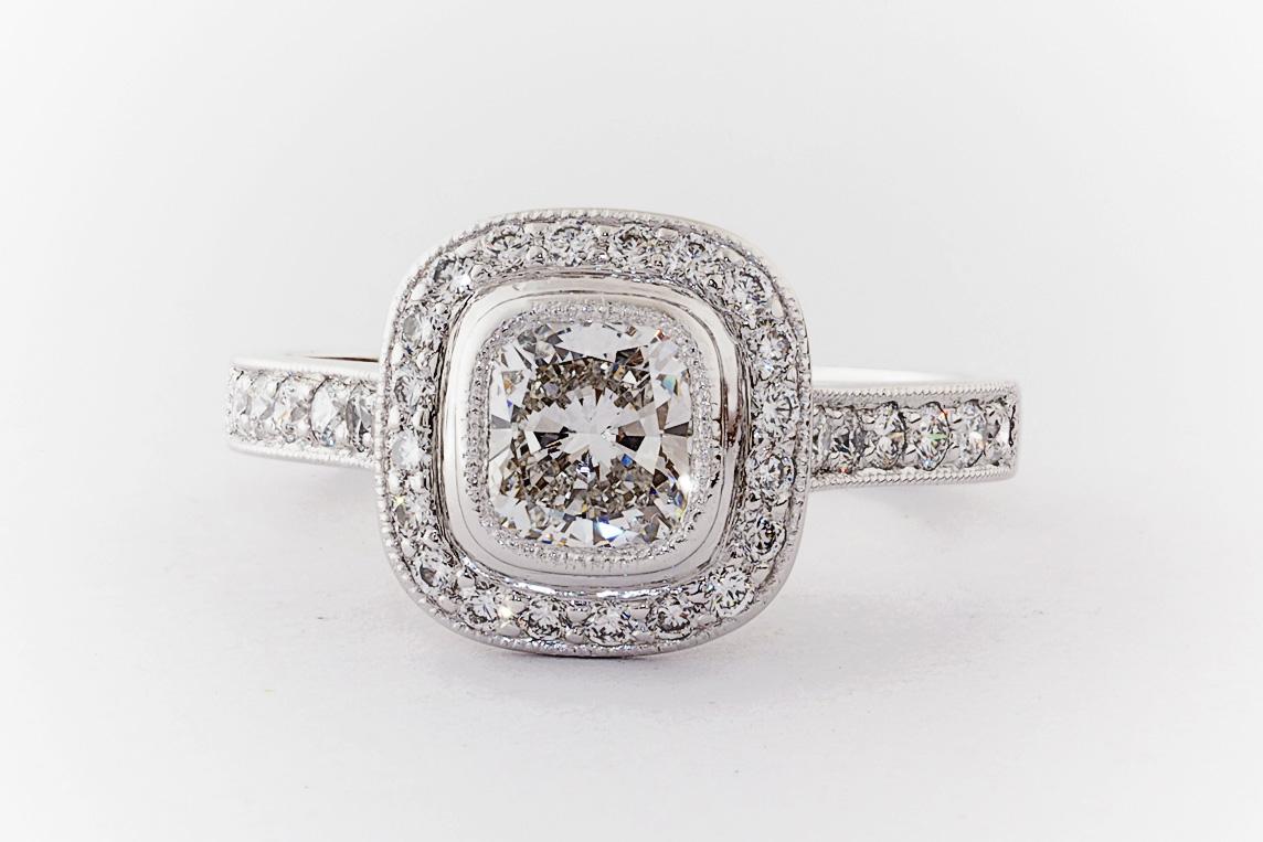Bezel Amp Bead Set Halo Engagement Ring Everettbrookes
