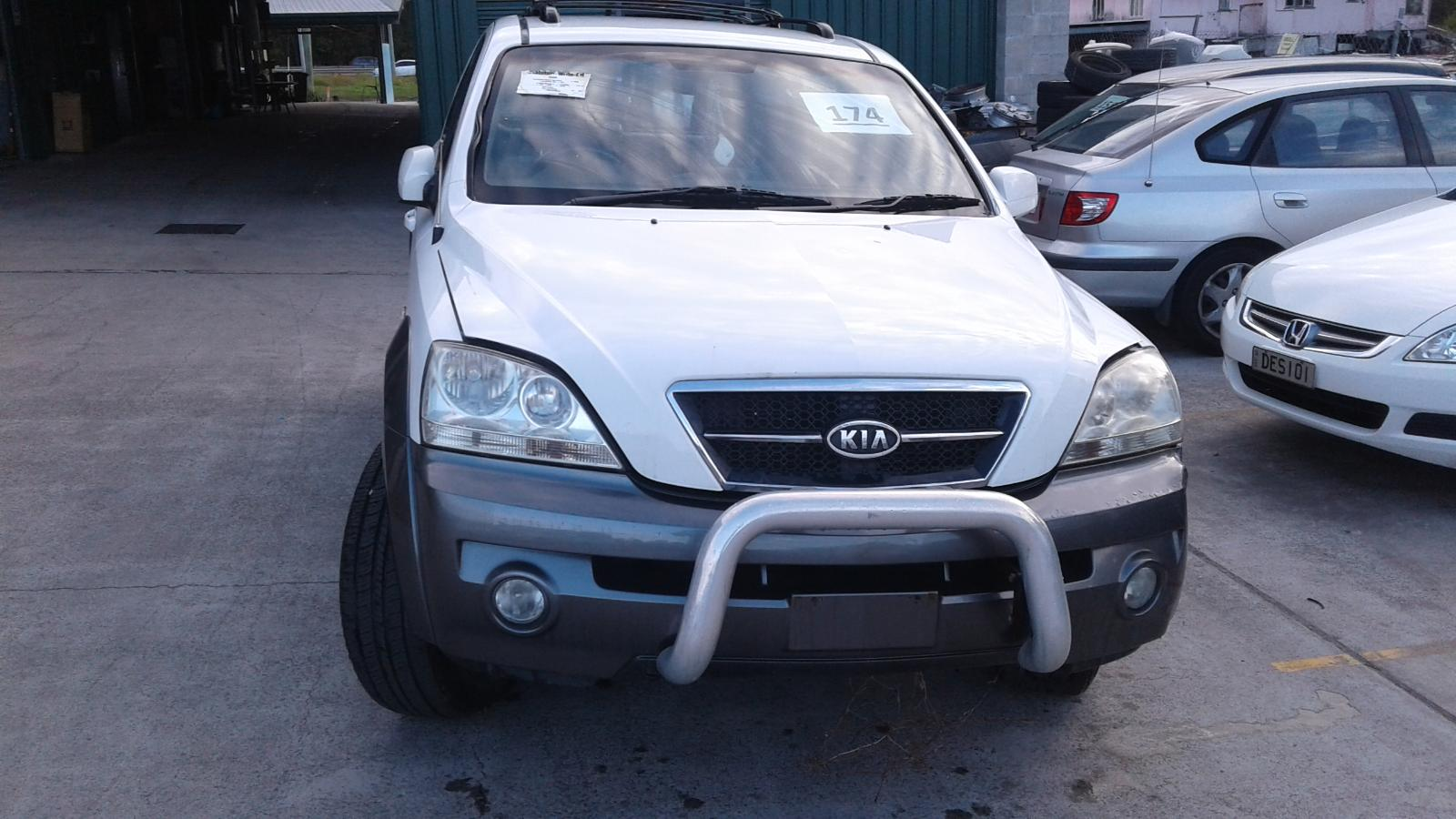 View Auto part Wiper Arm Kia Sorento 2004