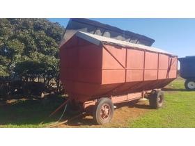 Farm Machinery sales, Livestock and more Grain Handling