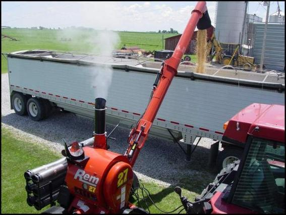 REM 2700 GrainVac for sale | Machinery | Grain Handling