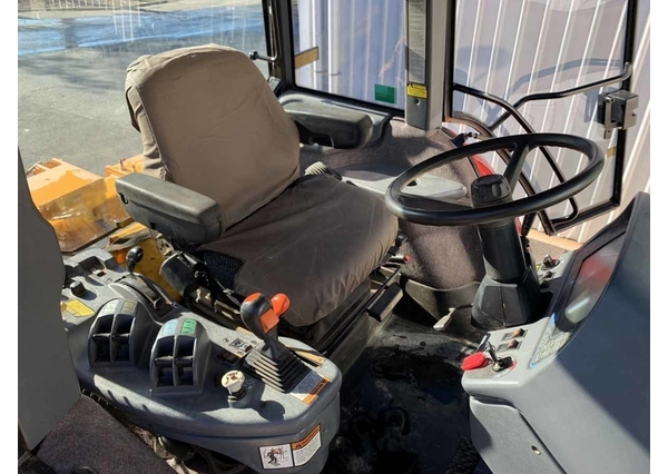 Versatile Genesis 2210 (with creeper transmission) for sale