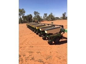 John Deere 1700 Maximerge Planter For Sale Machinery Tillage