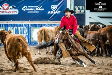 Lindsay Dickins and 'Spin N Chisum' had the crowd in their hands with a fabulous 213pt run in the 4Cyte Equine Amateur Non Pro Classic Challenge Final