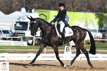 The experienced combination of Tania Harding and ' Jirrima Yorkshire' hold fourth place after the  Pryde's Easifeeds CCI 3 Star dressage phase with a score of 32.60.