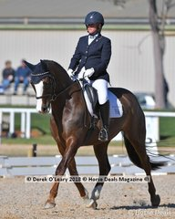 """MELLIZO PARK ROYAL M."" ridden by Nicole McOwn in the Elementary"