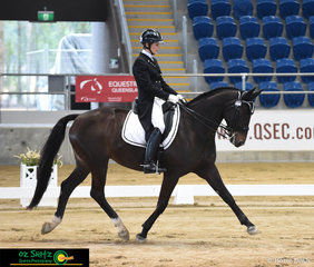 Revelwood Starlite ridden by Elizabeth Owens, dance across the arena in the Adult Amateur Owner Rider Intermediate 1.
