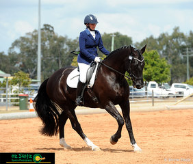 Kirstine Phillips and her 15 Year old Hanoverian Warmblood Gelding Remi Devils Advocate compete in the Adult Amateur Owner Rider Novice 2.3 to end up with a respectful 7th place.