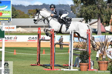 Now resident in Queensland, former South Australian, Matt Afford rode his , 'Kaluna Salute' to second place in the Part 1 One Round class today.