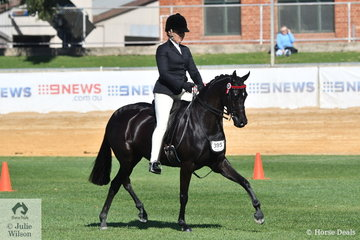 Lynda Hayes rode her own and Vicki Pisciotta's beautiful, 'Wideacre Black Diamond' to take second place in the class for Novice Pony 13-13.2hh.
