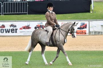 Miranda Hausler rode Isabella Schiller's, 'Rivington Sun Dress' to win the class for Show Hunter Mare 12.2-14hh.