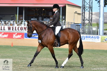 Jess Stones rode Asha Hendler's, 'EBL Richlist' to third place in the class for Open Show Hunter 15.2-16hh.