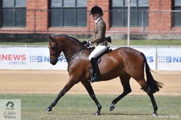 Kate Halliday rode the Emery and Halliday Lady's Show Hunter Galloway winner, 'Ridgeview Park French Lace' to claim the 2018 Adelaide Royal Show Hunter Galloway Reserve Championship. A little later Kate, winner of the Lady Rider Over 30 was declared Reserve Champion Lady Rider.