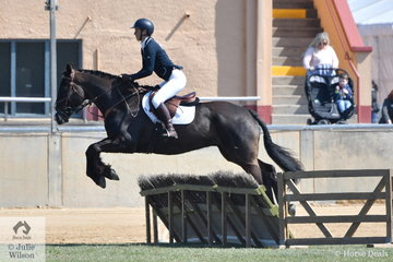 Christina Grear and 'Edialta Elvis' took sixth place in the Lady's Hunter this morning.